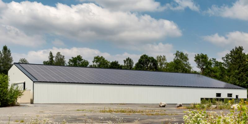 Bâtiment agricole de stockage toiture photovoltaïque à Rontignon (64)