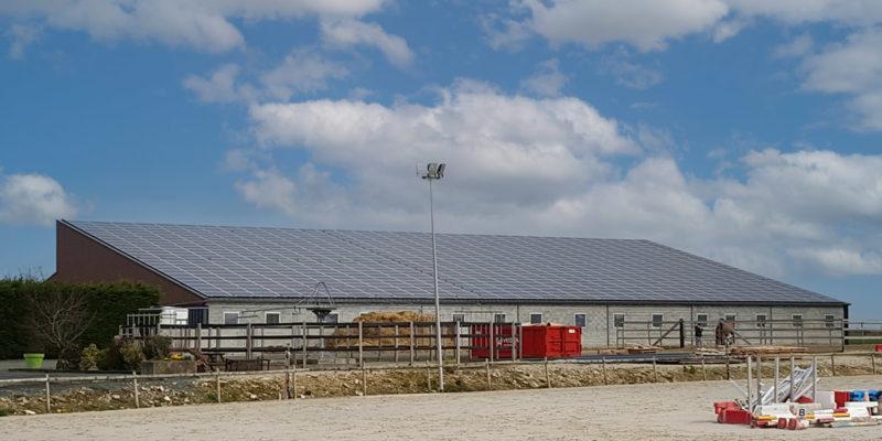 Versant Sud Bâtiment équestre photovoltaïque Générale du solaire / Vérines (17)
