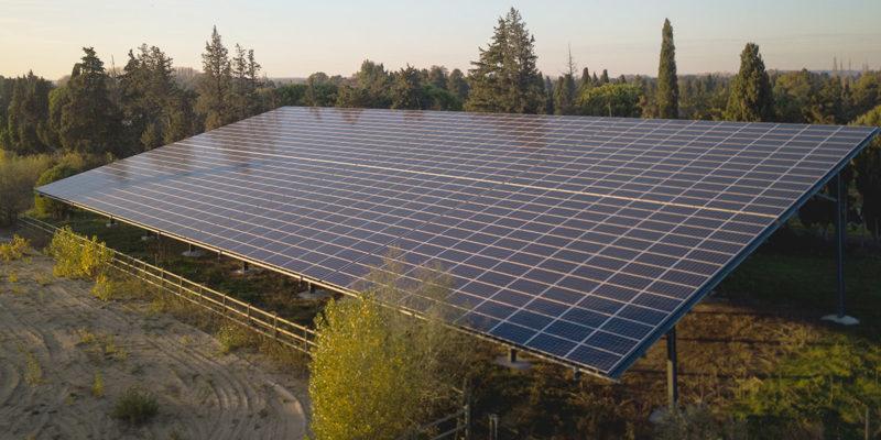 Versant Sud Manège équestre photovoltaïque - Provence Éco Énergie / Saint-Andiol (13)