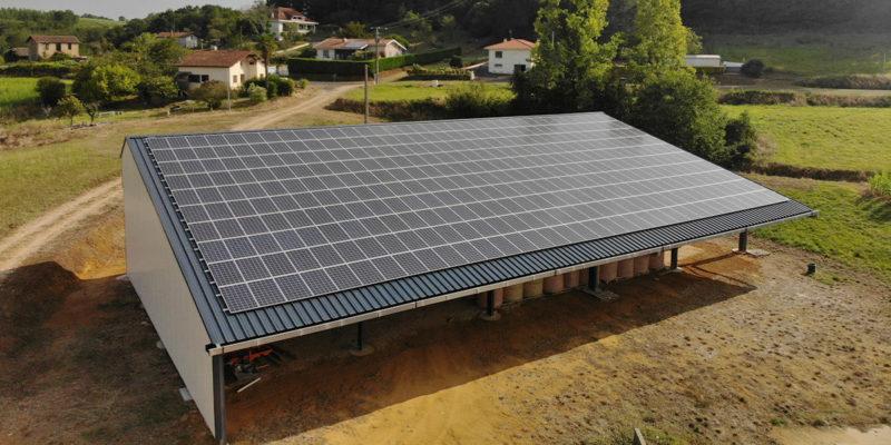 Versant Sud Bâtiment photovoltaïque agricole Soltea / St-Aubin (40)
