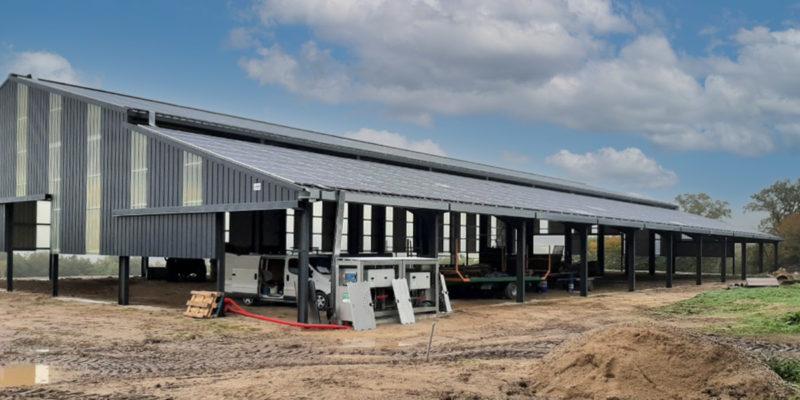 Versant Sud Bâtiment photovoltaïque Tenergie / Salles-Curan (12)