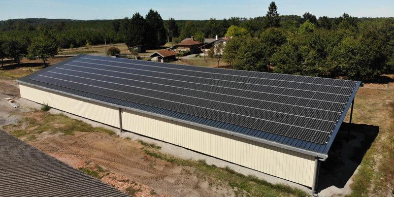 Versant Sud Bâtiment photovoltaïque agricole Soltea / Saint-Julien-en-Born (40)