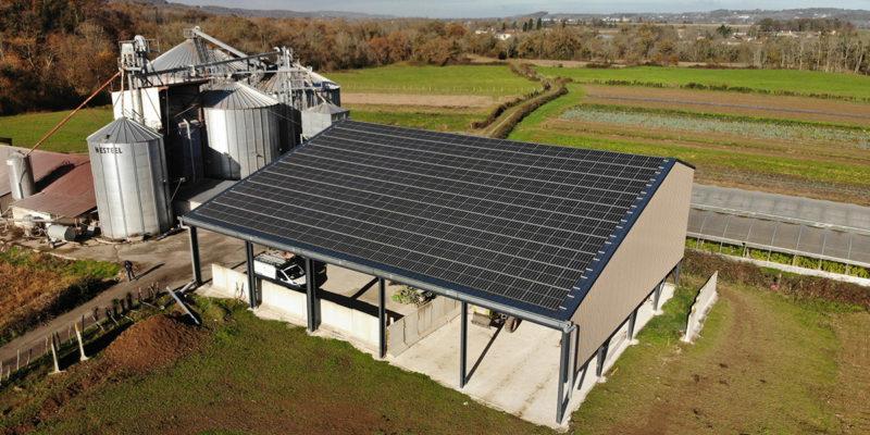 Versant Sud Bâtiment photovoltaïque agricole Soltea / Espiute (64)
