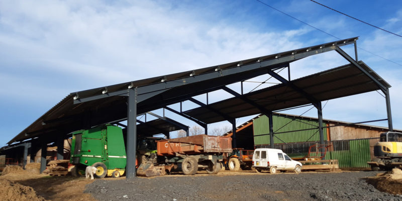 Vue ensemble Hangars photovoltaïques - Amarenco / Lupiac (32)