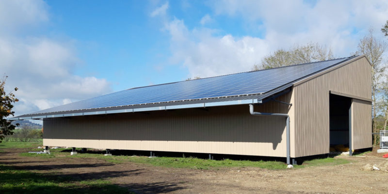 Versant Sud Bâtiment photovoltaïque - Arkolia Énergies / Monflanquin (47)